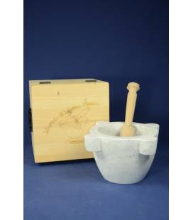 "White Carrara marble mortar ""marsigliese"" diameter 22 cm with beechwood pestle cm and wood box"